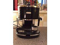 Coffee machine - De'Longhi Icona ECO310.BK Pump Espresso Machine, Black