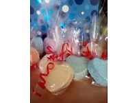 10 Large mixed bath bombs in gift bag