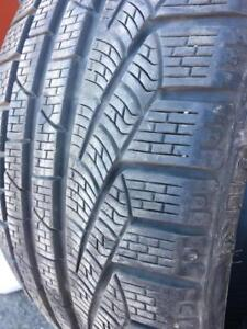 235/35/19 Pirelli SottoZero2 hiver 8+/32