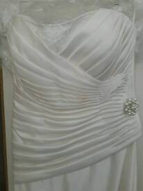 Brand new.morilee ivory wedding dress