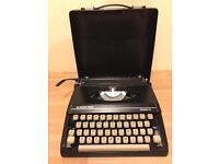Silver-Reed - Silverette antique typewriter - BARGAIN