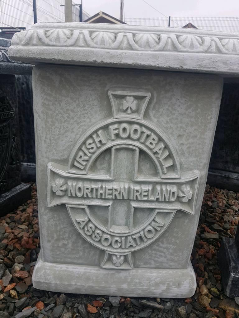 N.IRELAND northern Ireland football benches teams badge on legs