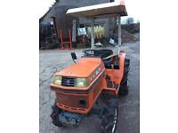KUBOTA, 4WD, 3 CYLINDER, 18 HP COMPACT TRACTOR WITH VERY LOW HOURS