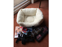 PUPPY HEATED SQUARE BED & ACCESSORIES