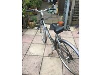 """Ladies Raleigh bike 18 gears wheel size 25"""" comes with bike stand"""