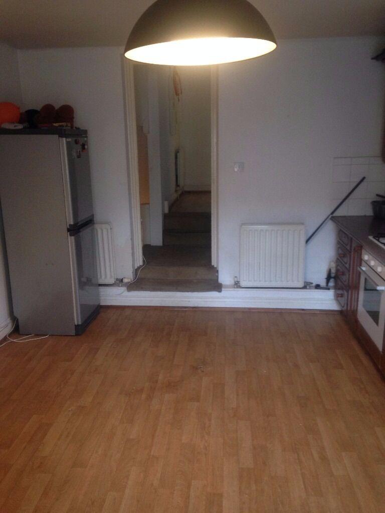 3 Bedroom Flat with Garden In Brixton