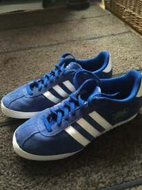 Mens adidas size 10 bamba trainers (excellent condition)