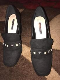 Shoes size 6 black suede with white beads worn once excellent condition