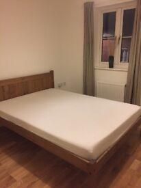 En-suite double bedroom in newly built home