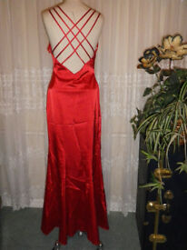 Great Business Opportunity 120 Designer Gowns / Dresses from USA for sale as a Job Lot.