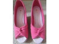 V BY VERY SHOES PEEPTOE HIGH WEDGE PINK CANVAS SIZE 5 WORN ONCE