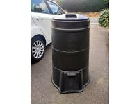 1 no black plastic compost bin