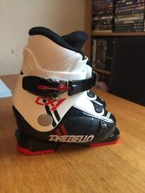 Childs ski boots. Size 5