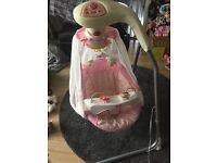 Baby swinging cradle chair
