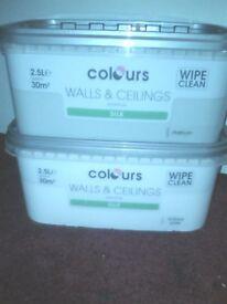 2 x 2.5 litre silk paint *Unopened*