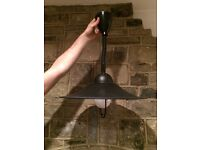 Retro extendable ceiling light fitting and shade