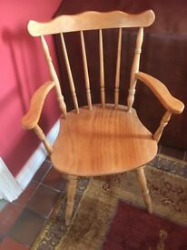 Good condition - stylish oak chair