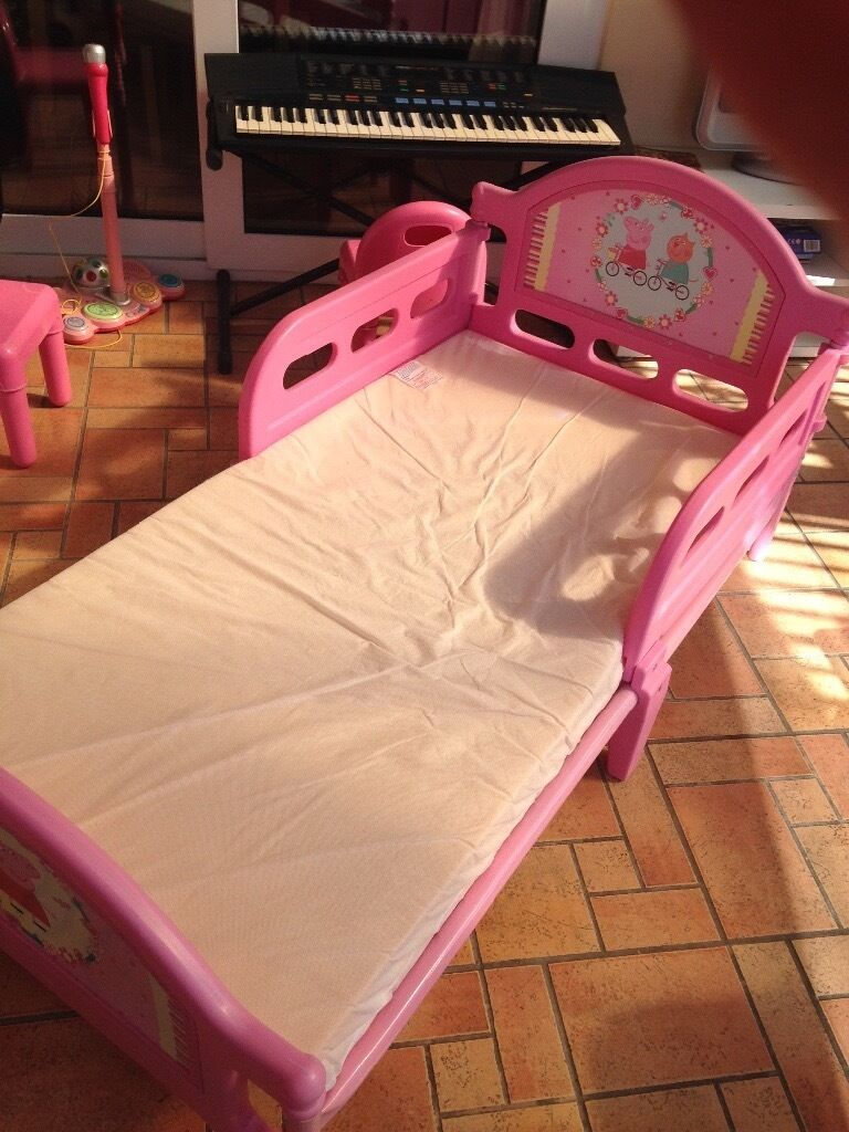 Toddler Bed Peppa Pig Excellent Condition Metal Frame Plastic Headboard And Side