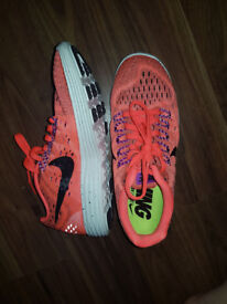 Womens nike running trainers size 3.5 more like a 3 only worn a couple times