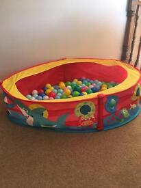 Ball pool and balls