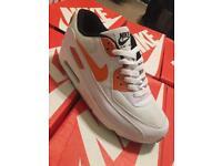 Nike air max 90 Wht/orange rainbow uk 5 FREE POSTAGE