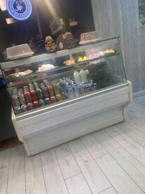 Display / cake fridge