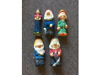 Seven dwarf gnomes