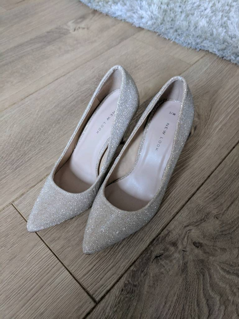 New Look sz 5 gold sparkly pointed court shoes