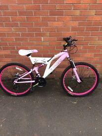 Girls muddy fox mountain bike