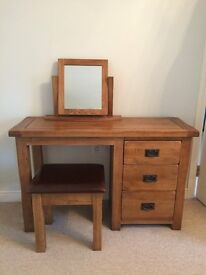 Beautiful Solid Oak 3 Drawer Dressing Table Set