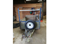 Car trailer with brakes and metal floor