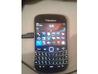 BlackBerry Bold 9900 on 02 & in mint condition
