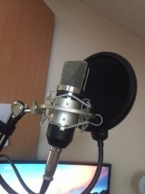 Tonor BM700 Microphone WITH BOOM STAND, SHOCK MOUNT, POP FILTER & InnoGear 48V PHANTOM POWER