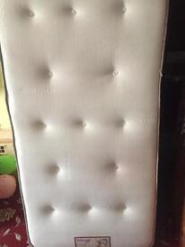 Top quality single mattress in excellent condition