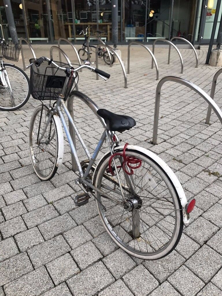 Lady City Bike with Basket, Lock and Small Lights