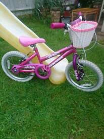 Girls bike good working order suit 4 ish to 6 ish front and rear brakes