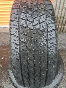 4 PNEUS HIVER - TOYO 195 60 15 - 4 WINTER TIRES
