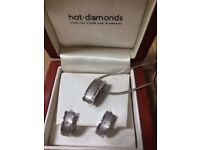 Hot diamonds sliver earrings and necklace