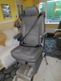 2 captain seats leather & swade vgc