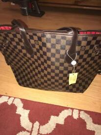 LOUIS VUITTON NEVERFULL BAG - BRAND NEW- NO TIME WASTERS PLEASE - FREE GIFT WITH PURCHASE