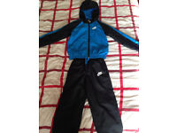 Nike lightweight hooded 2 piece tracksuit 5-6 years RRP £69.99