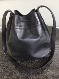 BALLY. Ladies Handbag. Excellent Condition. Hardly used. Zip compartment inside bag.