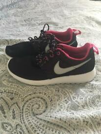Pink & Black Nike Roshe Run Trainers