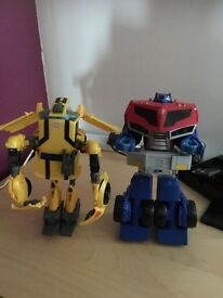 Transformer bumble bee and Optimus prime