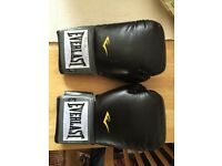 EVERLAST BOXING GLOVES - 12Oz - AS NEW