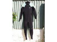 Used ladies Oneill wetsuit (kite surfing)