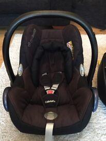 Maxi-cosi CabrioFix car seat with isofix base