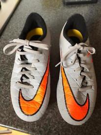 Nike Boys Football Boots UK 3