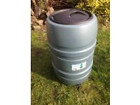 WATER BUTT 210 LITRES WITH TAP AND LID V.G.C