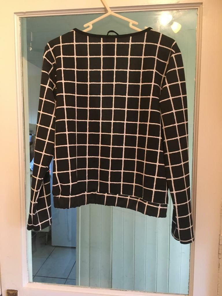 Size 14 black and white check backless top